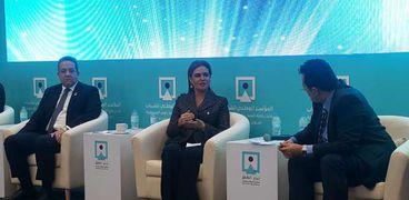 د. سحر نصر خلال مشاركتها فى جلسة تنمية القطاع السياحى فى الصعيد
