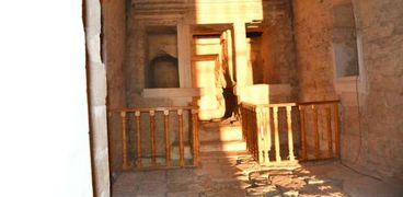 بدون حضور.. تعامد الشمس على قدس أقداس معبد قصر قارون بالفيوم