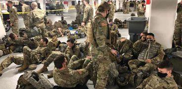تكدس جنود الحرس الوطني الأمريكي