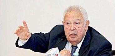 رجائي عطية نقيب المحامين ورئيس اتحاد المحامين العرب