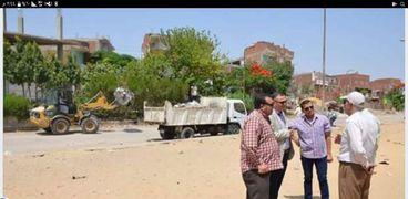 السكرتير العام المساعد بالاسماعيلية يتابع أعمال حملة النظافة والتطوير بمدينة المستقبل السكنية.