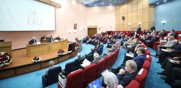 رغم ارتفاع اصابات كورونا.. الجامعات : امتحانات الميد ترم حضوري