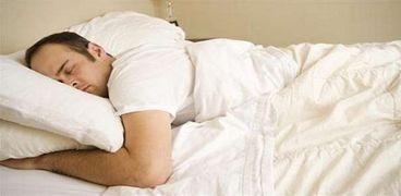 دراسة جديدة توضح كيف نبعد الأرق ونستغرق في النوم