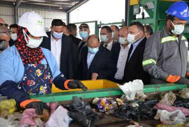 وزير التنمية المحلية ومحافظ الدقهلية يفتتحان أكبر مصنع لتدوير القمامة
