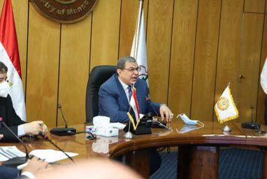 الاجتماع الأسبوعي لـ وزير القوى العاملة مع كبار مسؤولي الوزارة