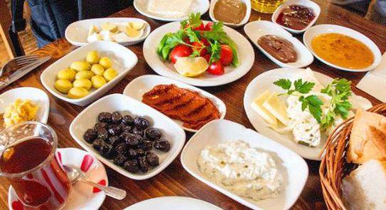 دليلك لأبرز مطاعم على قد الإيد لتناول سحور رمضان أي خدمة الوطن