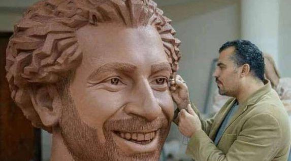 صاحب النسخة المصرية لتمثال «صلاح» يعلق على تحفة «مو» بمتحف لندن: مش دقيق