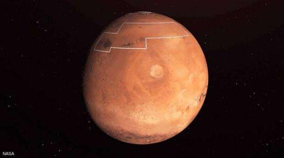 القمر الأحدب المتناقص يقترب من الكوكب الأحمر مساء اليوم
