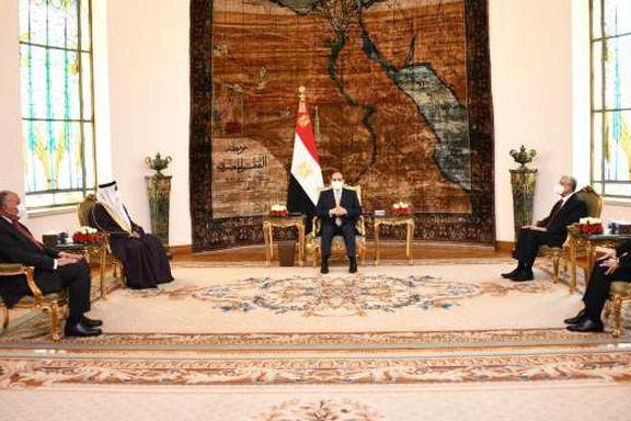الرئيس عبدالفتاح السيسي مع رئيس البرلمان العربي