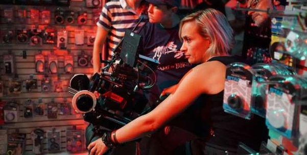 معهد الفيلم الأمريكي يطلق منحة دراسية باسم المصورة التي قتلت بالخطأ