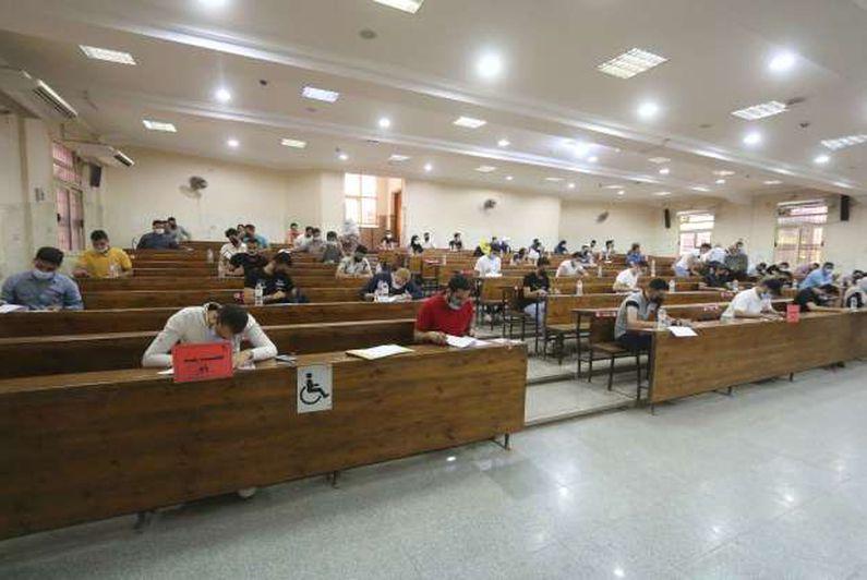 انتهاء امتحانات كلية التجارة جامعة المنصورة