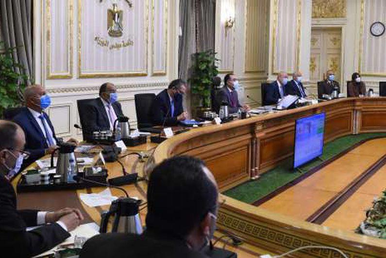 رئيس الوزراء يتابع أعمال تطوير طريق الفيوم والطرق المحيطة بالمتحف المصري