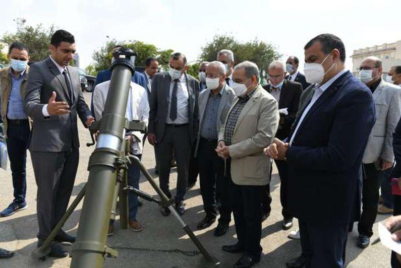 وزير الدولة للإنتاج الحربي يتفقد منتجات الوزارة المزمع عرضها في «EDEX 2021»