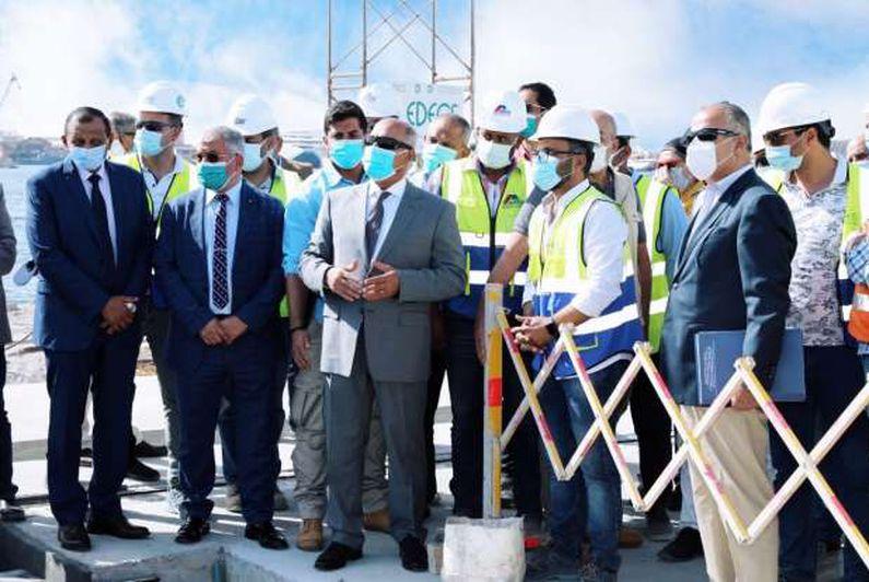 وزير النقل يتابع معدلات تنفيذ  المشروعات الخدمية الجاري تنفيذها بميناء الإسكندرية