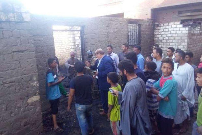 السيطرة على حريق في 10 منازل وأحواش ولجنة لفحص الخسائر بسوهاج