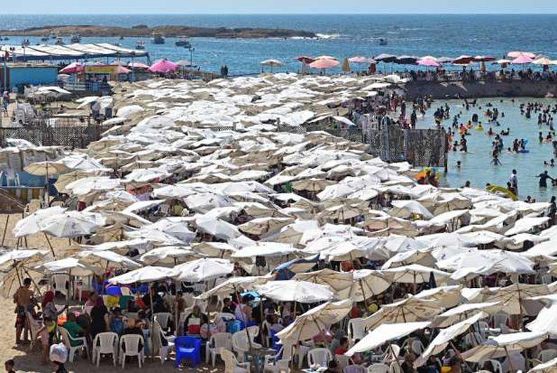 ازدحام شواطئ الإسكندرية بالمصـطافين