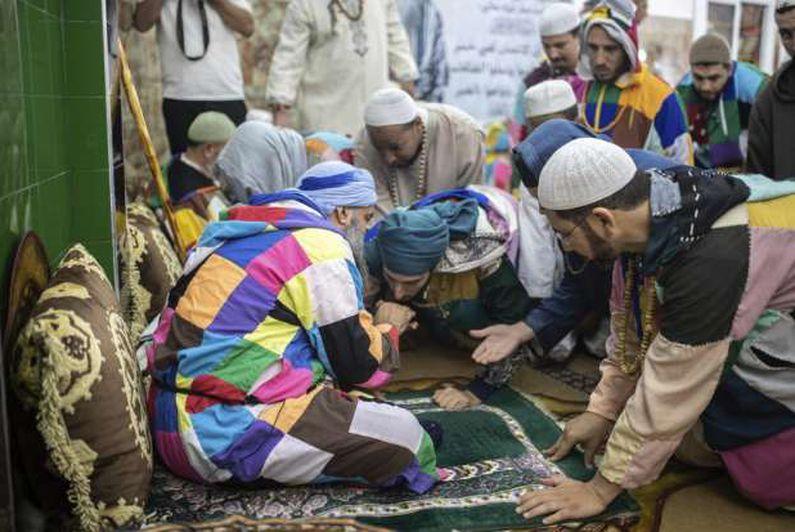 الصوفيون يجتمعون أخيرا في المغرب.. ألوان الكركرية تعود من جديد