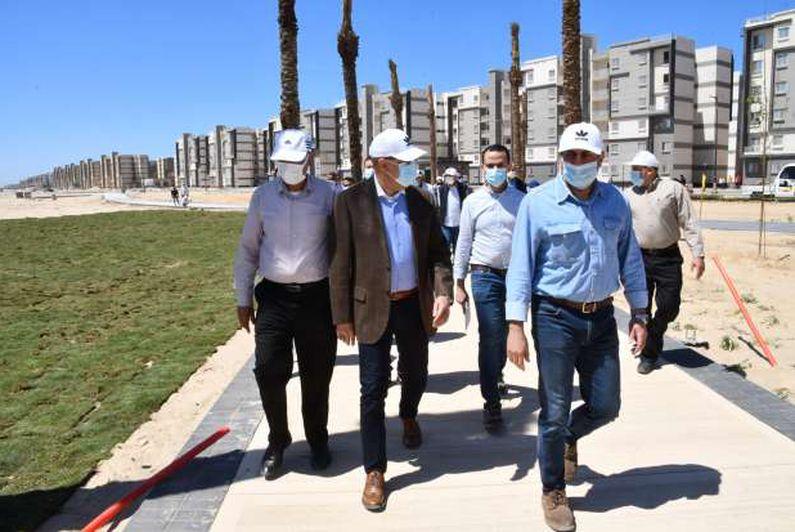 وزير الإسكان يتفقد اللمسات الأخيرة للانتهاء من تنفيذ المرحلة الأولى بكورنيش مدينة المنصورة الجديدة