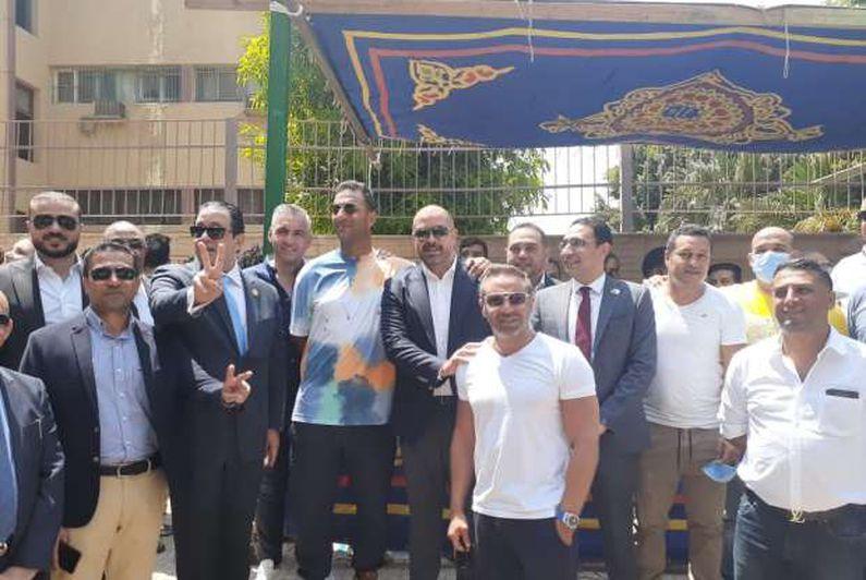 علاء عابد وحازم إمام وميدو ووليد صلاح الدين يصوتون في انتخابات الشيوخ