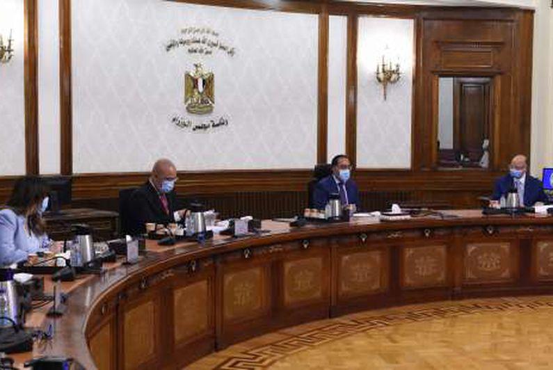 رئيس الوزراء يتابع مشروعات تطوير جنوب الجيزة والعشوائيات بالقاهرة