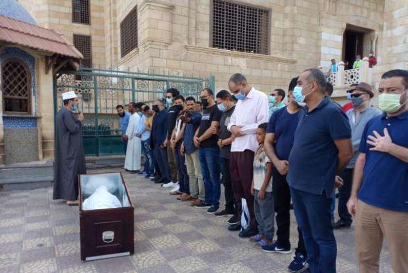 جنازة الموسيقار المصري عبده داغر من مسجد الحصري بحضور وزيرة الثقافة
