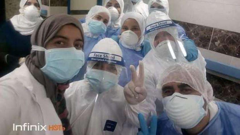 فريق عمل الحجر الصحي بمستشفي قها