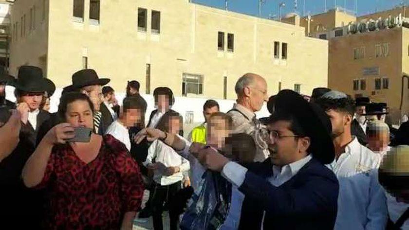 اشتباكات بين يهود متشددين وسيدات يهوديات