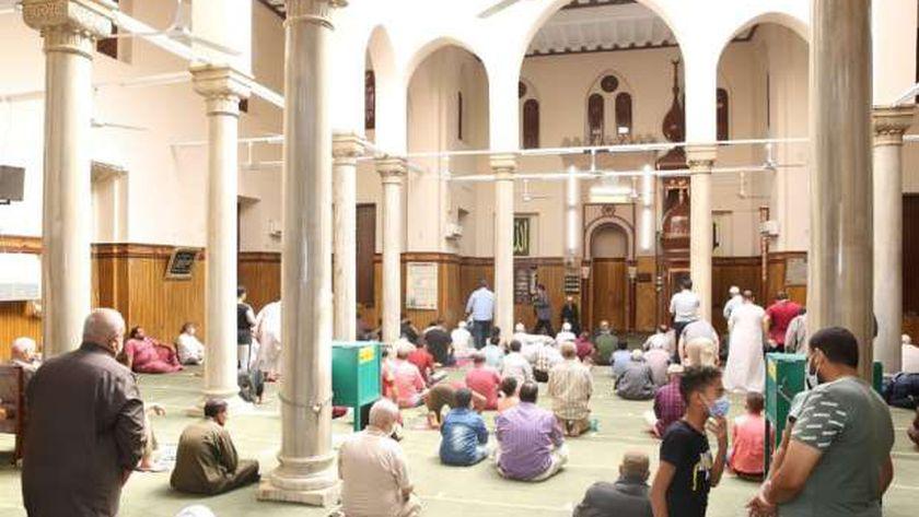 السكرتير العام يفتتح مسجد عبدالله وهبي بمدينة الفيوم بعد تطويره