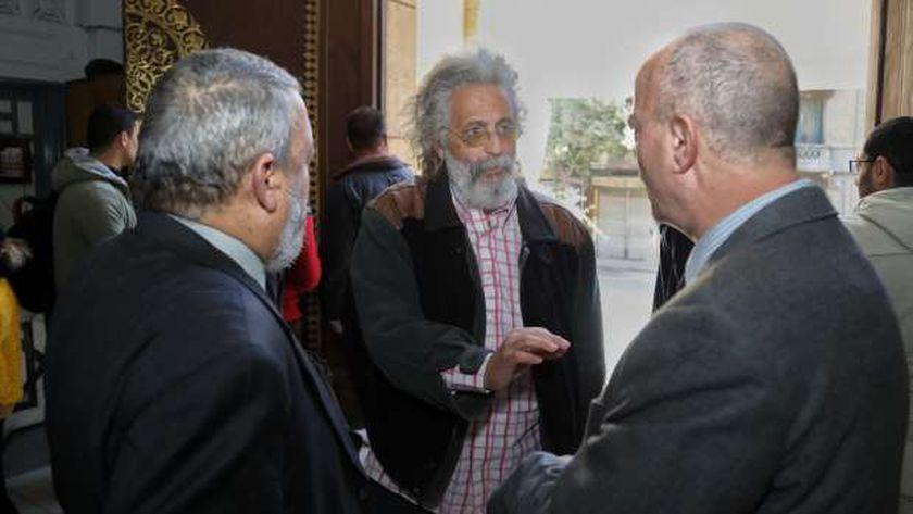 الدكتور حسين خيري نقيب الأطباء يتوسط الدكتور إيهاب الطاهر والدكتور رشوان شعبان