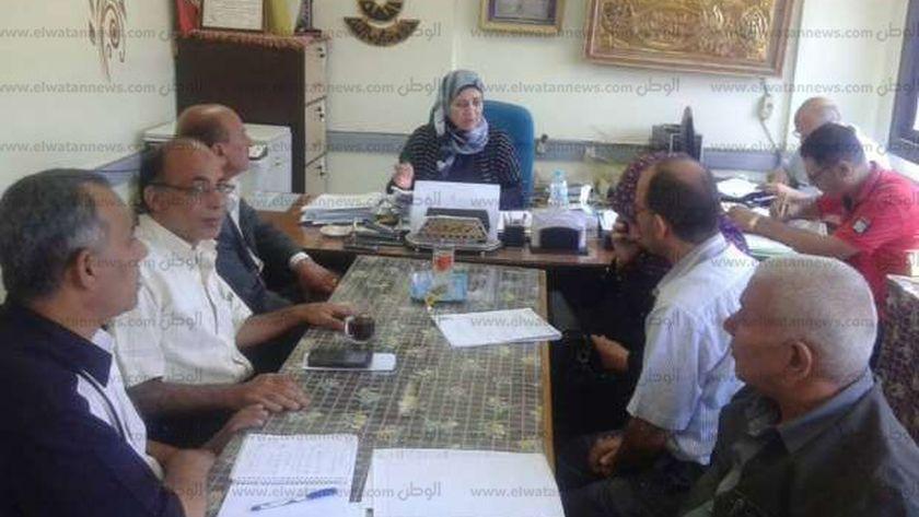 جانب من اجتماع وكيل مديرية التربية والتعليم في بني سويف
