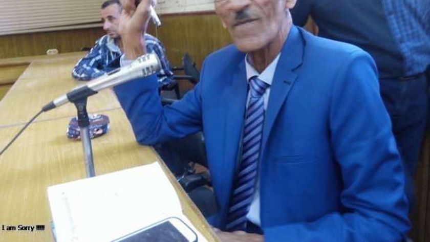 معتمد عبدالمعتصم مدير مشروع المواقف بالوادي الجديد