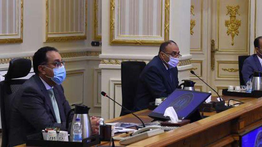 «مدبولى» خلال اجتماع سابق للحكومة حول تطوير وتنمية سيناء «صورة أرشيفية»