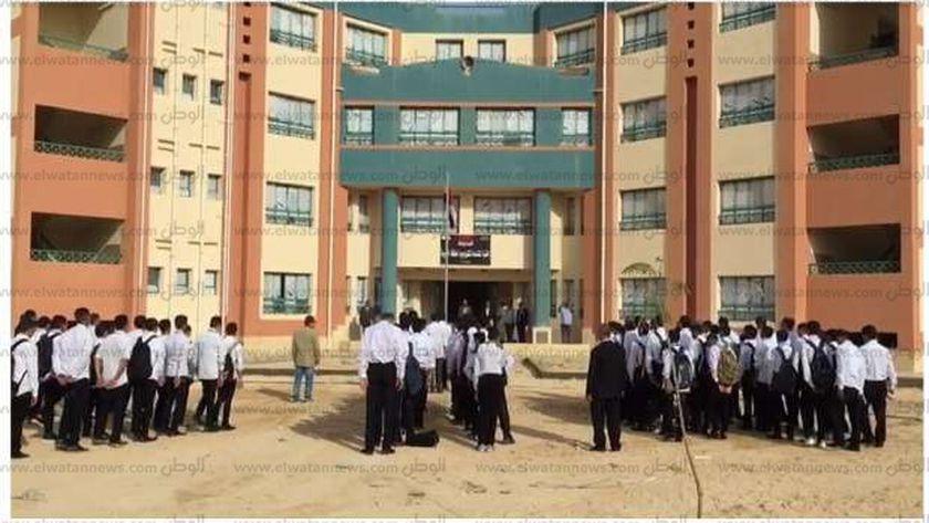 طابور الصباح في اليوم الأول للدراسة بمدرسة الضبعة النووية