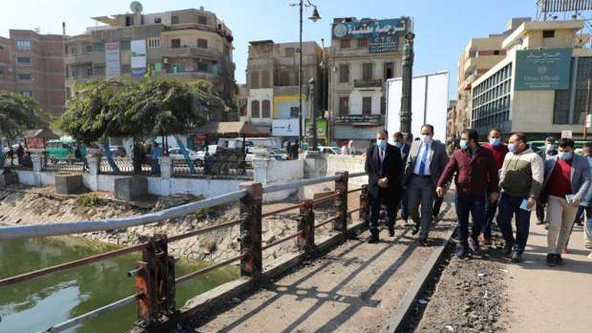 محافظ المنوفية يتابع أعمال تطوير شوارع العزبة الغربية وكوبري عمر أفندي