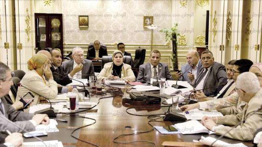 اجتماع أمس من لجنة القوى العاملة