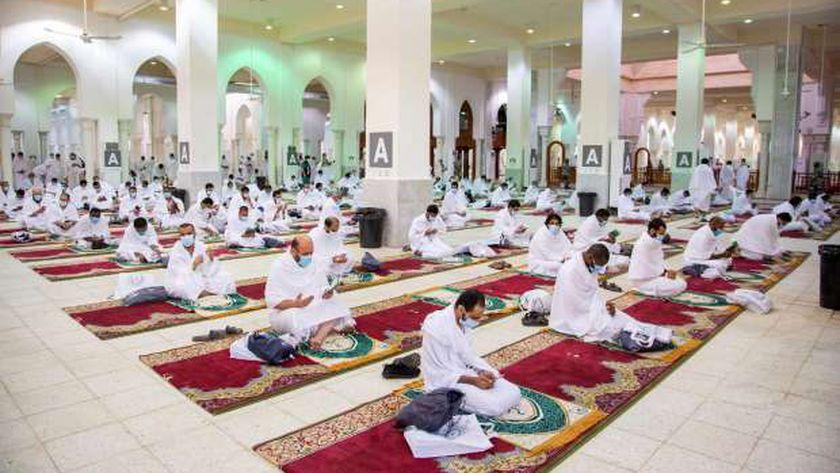 اكتمال وصول الحجاج إلى مسجد نمرة بمشعر عرفات
