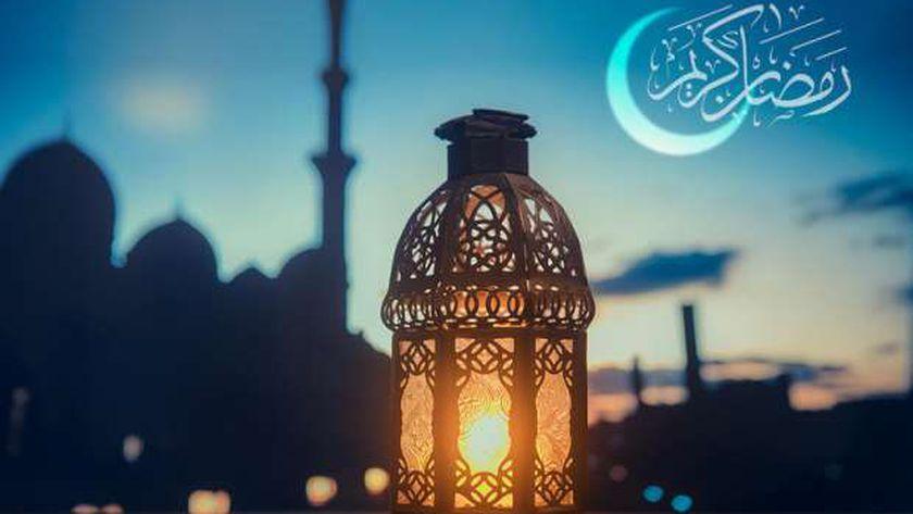 الإمارات والكويت تتحريان هلال شهر رمضان المبارك