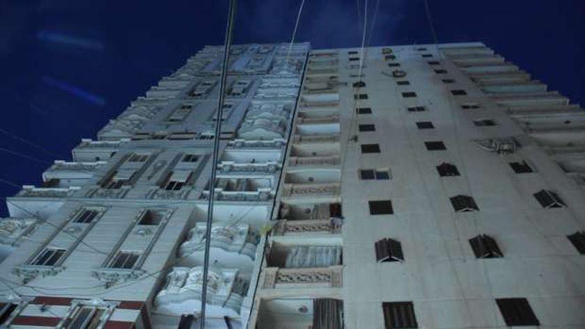 العقار المائل في الإسكندرية