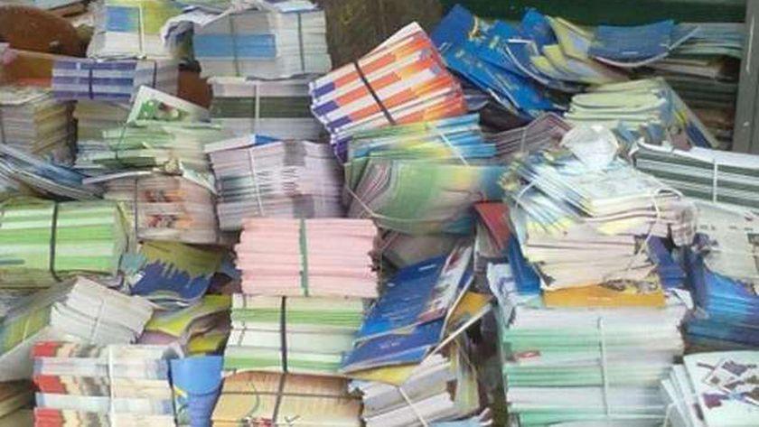 هجوم على قرار وزير التعليم بربط المصروفات بالحصول على الكتب المدرسية