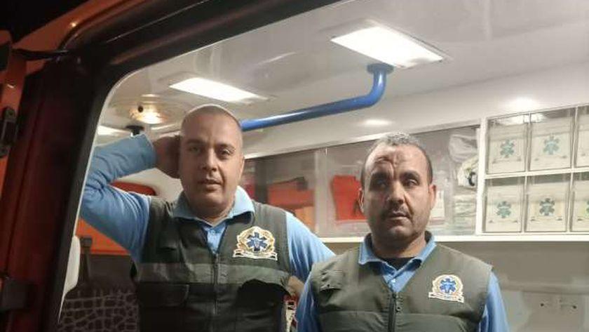 شهامة أصول ..مسعف وسائق يسلمان 392 الف لمواطن اصيب بحادث سير بطنطا