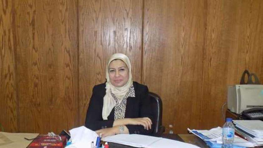 الدكتورة سلوى رشاد وكيل كلية الألسن
