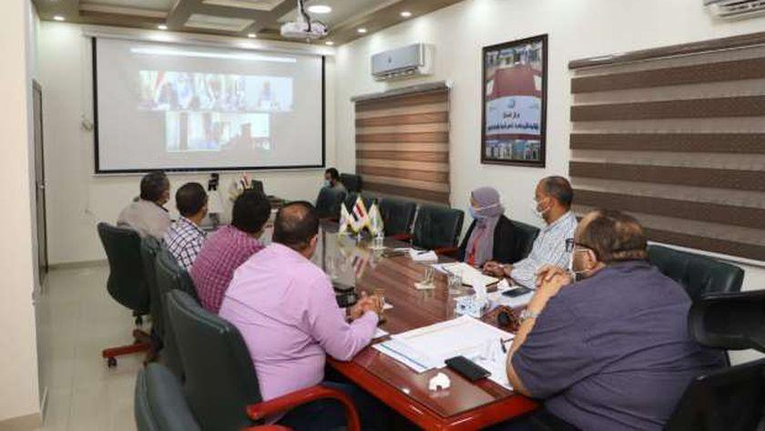 رئيس مياه أسيوط يتابع مشروعات المبادرة الرئاسية حياة كريمة