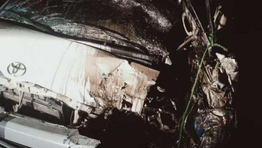 مصرع سائق وإصابة 6 في حادث تصادم بطريق الإسماعيلية السويس 8 سيارات إسعاف لنقل المصابين
