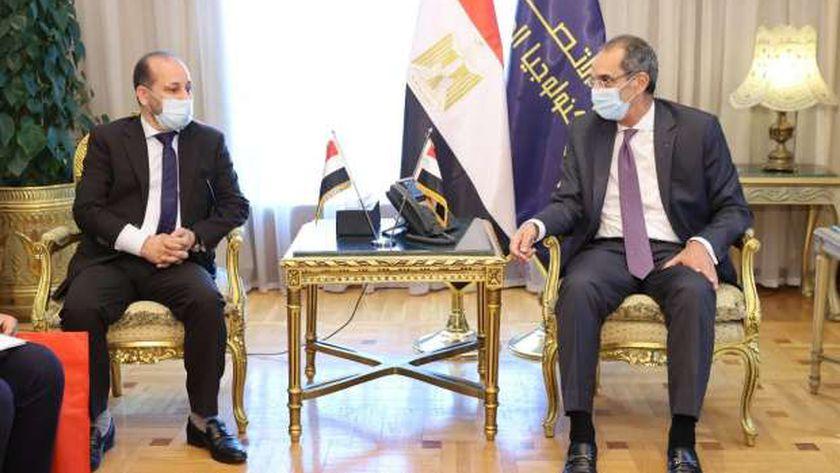 وزير الاتصالات يستقبل نظيره اليمني لبحث التعاون المشترك بين البلدين