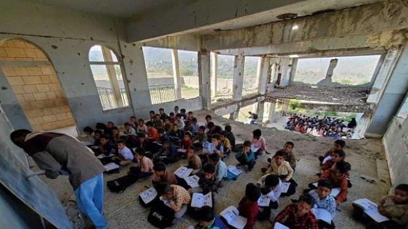طلاب مدرسة الوحدة في اليمن