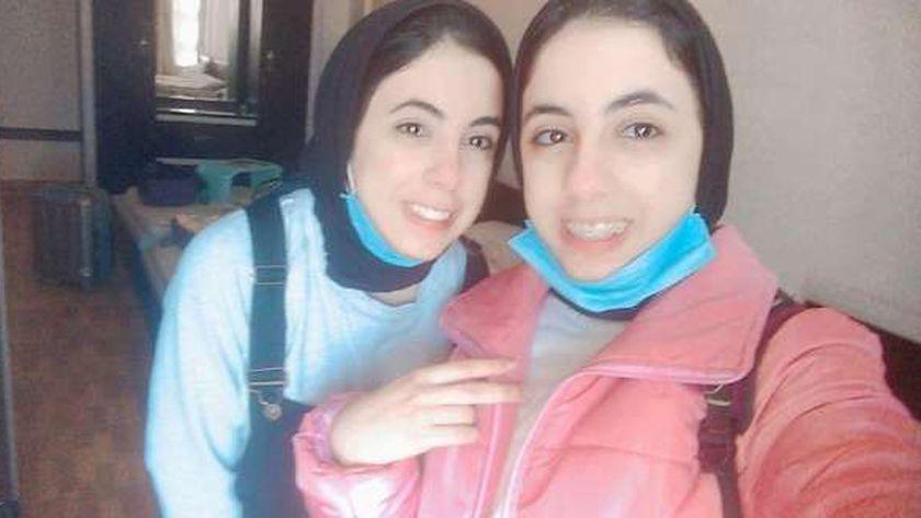 «شهد وشروق» توأم تفوقتا في الثانوية بالإسكندرية: طورا الذكاء الاصطناعي