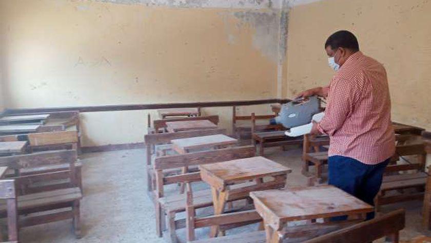 تعقيم مدرسة بكفر الشيخ بعد إصابة عاملين بكورونا