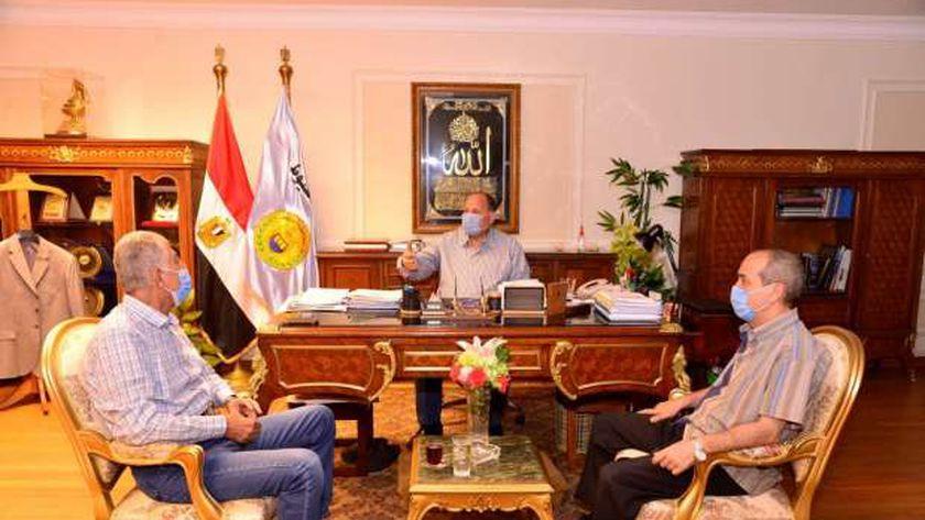 محافظ أسيوط يستقبل مستشار مجلس الوزراء لمتابعة الموقف التنفيذي للمشروع