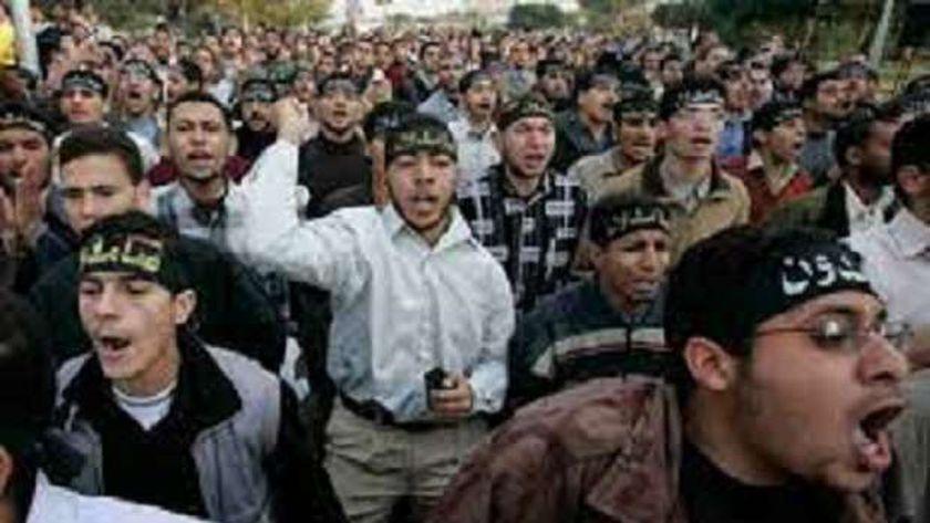 هل يواجه طلاب الجامعات التابعون للإخوان الفصل قبل الدراسة؟ قانوني يرد