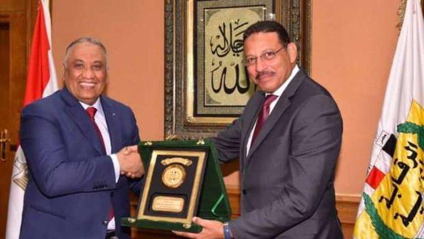 الوزير حسن عبدالشافي رئيس هيئة الرقابة الإدارية الجديد واللواء شريف سيف الدين